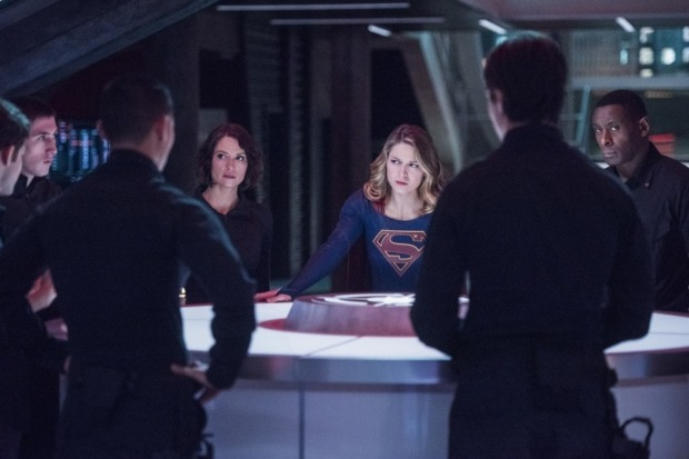 supergirl-s2e11-martian